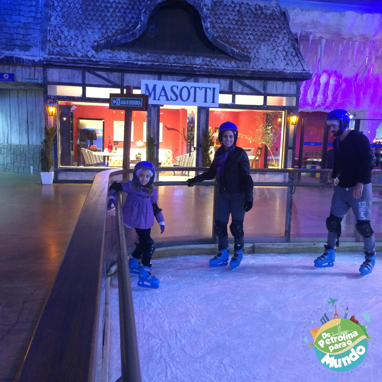 Patinação no gelo no Snowland